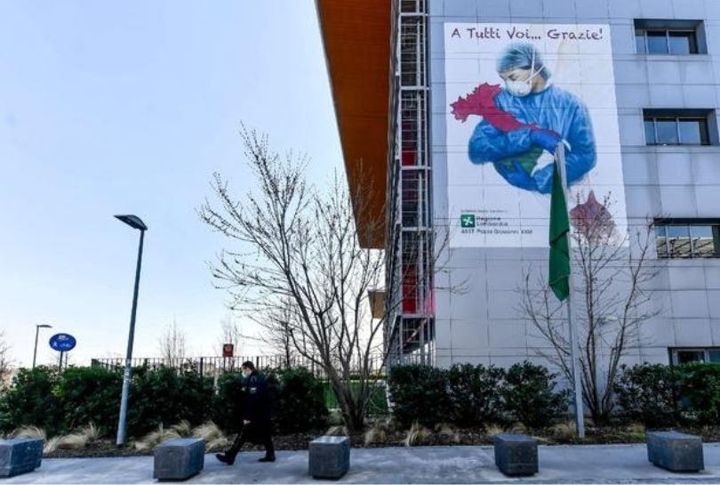 The murals outside Bergamo Hospital to thank doctors and nurses for taking care of patients